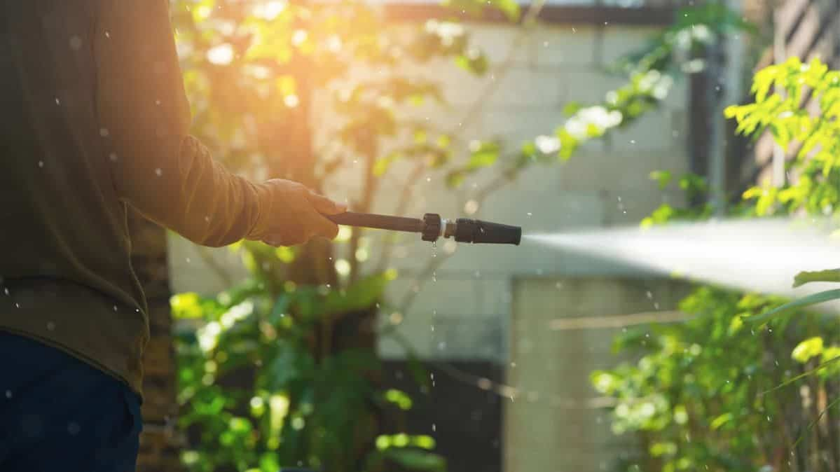 How to select the best pressure washer.